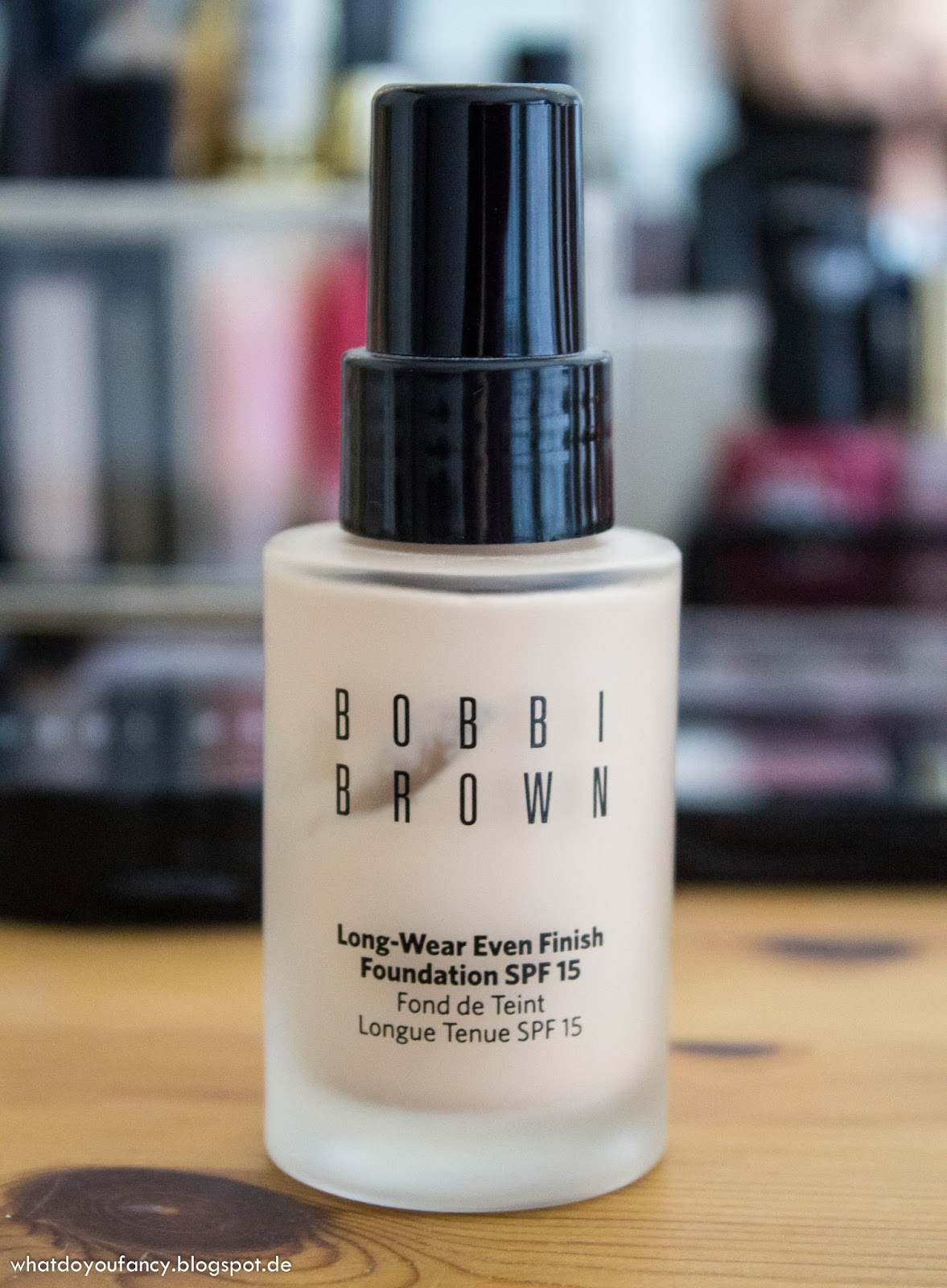 Swatches und Tragebilder der Bobbi Brown Long Wear Even Finish Foundation 0 Porcelain