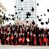 Thảo luận về những thuận lợi và bất lợi khi có quá nhiều sinh viên tốt nghiệp đại học ở nước bạn