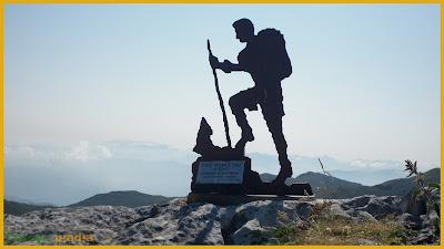 Buzón de cumbre del Pico Moncuevo en la Sierra del Aramo