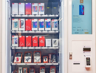 Xiaomi launches new vending machine for Smartphone in India