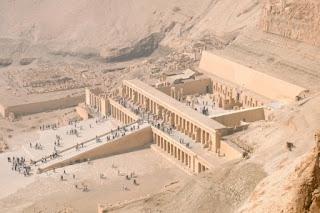 10. Kuil Hatshepsut