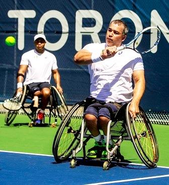 Fotos de personas discapacitadas jugando tenis