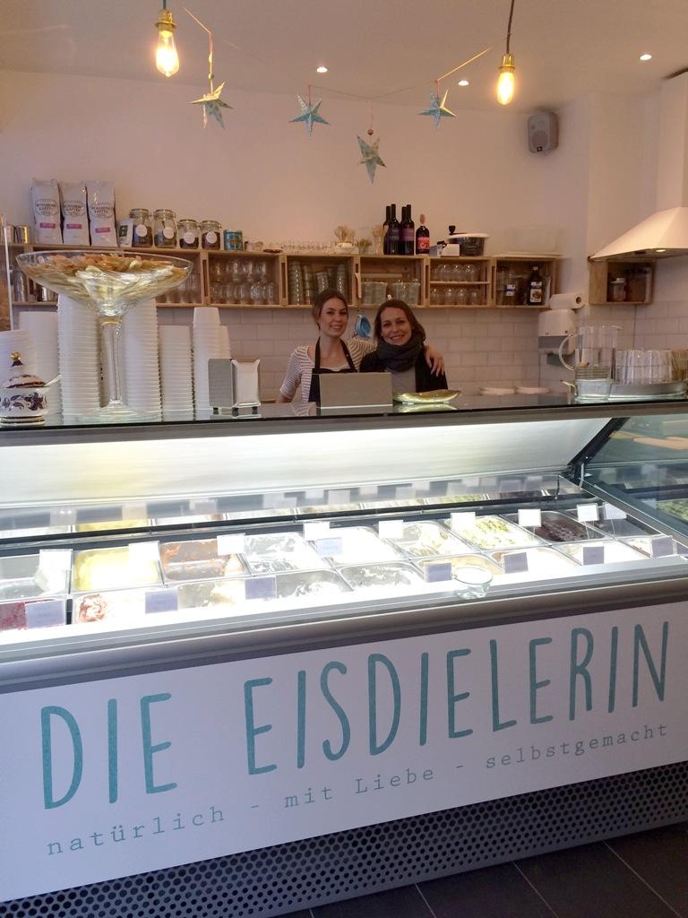 Mittwochs mag ich, Mmi, Die Eisdielerin Köln Ehrenfeld, Venloer Straße, Eisdiele, Eiscafé, Café, Waffeln, ausgefallene Eissorten, Cafétipp Köln