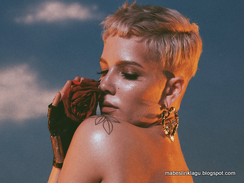 Halsey - Without Me Lyric