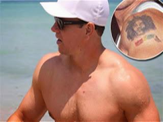 Mark Wahlberg se remueve los tatuajes