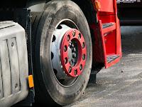 Assicurazione autocarro, vantaggi e svantaggi, sanzioni, come funziona