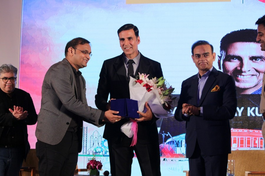 Akshay Kumar Launches Bharat Ke Veer Donation
