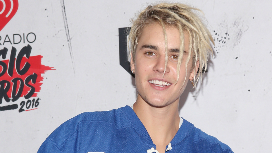 Justin Bieber cambió de look (otra vez), ahora luce rastas - WWW