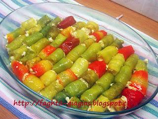 Ρολάκια πιπεριάς με ανθότυρο και φέτα - από «Τα φαγητά της γιαγιάς»
