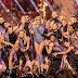 Lady Gaga faz uma mega apresentação no Super Bowl e confirma sua presença no Rock Rio 2017