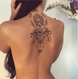 gambar tato artis punggung keren
