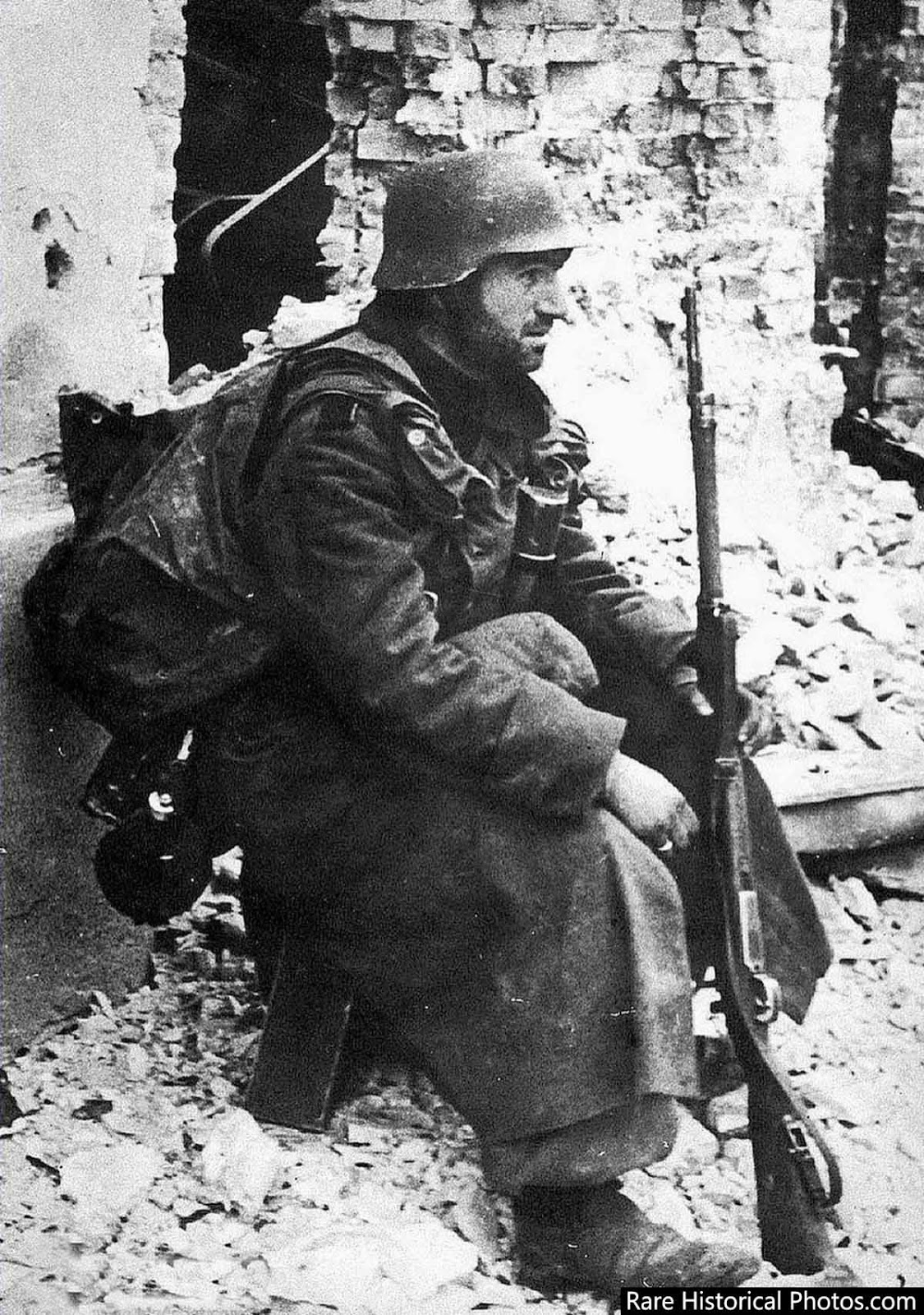 A German soldier rests at Stalingrad. 1942.