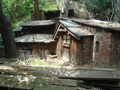 Laurel Canyon log cabin