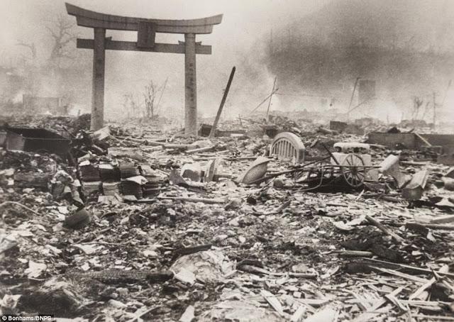 Nagasaki worldwartwo.filminspector.com