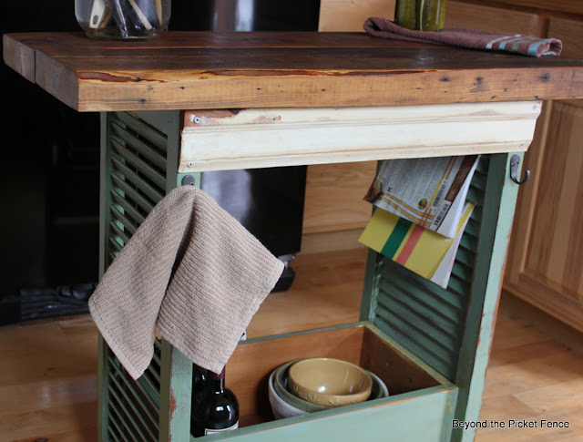 repurposed shutters, kitchen island, old drawer, storage, kitchen organization, Beyond The Picket Fence, http://bec4-beyondthepicketfence.blogspot.com/2013/08/shutter-island.html