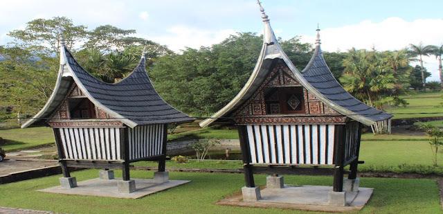 Fungsi Rangkiang Bagi Masyarakat Minangkabau