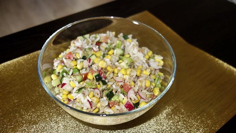 Przepis na sałatkę z tuńczykiem