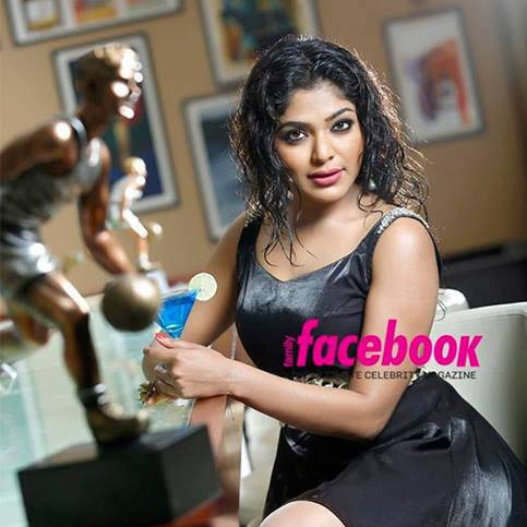 Malayalam actresses latest hot photos from Family Facebook Magazine photo shoot