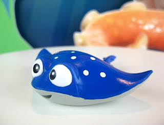 finding dory blind bags series 2 mr. ray
