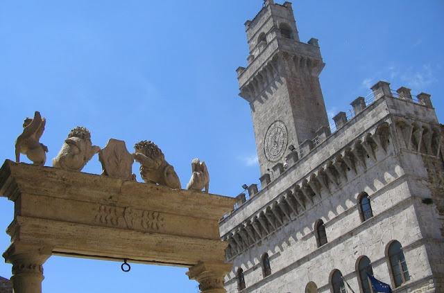 Informações sobre o Palazzo Comunale em Montepulciano