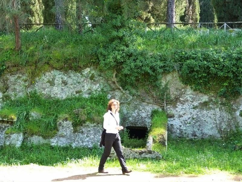 Guia de Turismo: necropole etrusca nos arredores de Roma