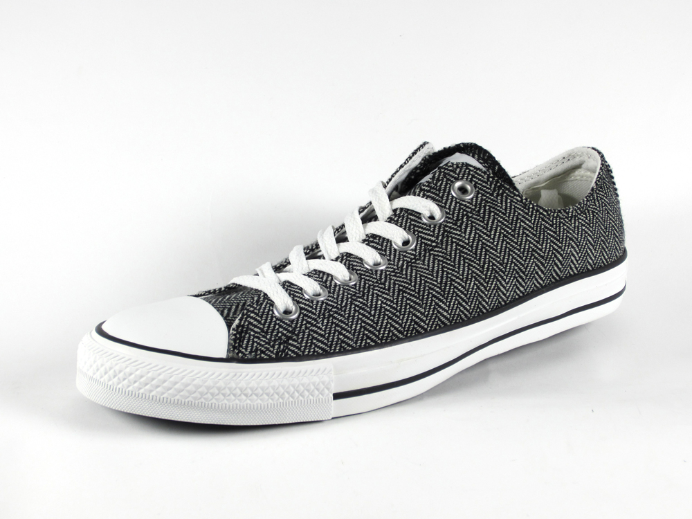 3e610008fdbf Converse Chuck Taylor All Star Ox Menswear Winter Weight Material.  White Black.