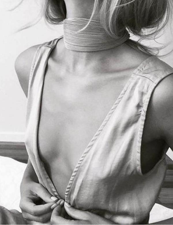 Outfits Club: Black & White Minimalist Gracefulness