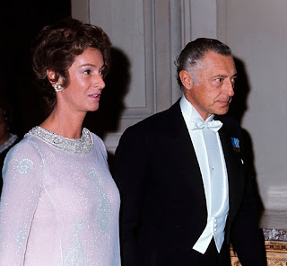 Marella and Gianni Agnelli arriving at a function in 1966
