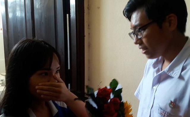 Học sinh Thái Phiên (Đà Nẵng) vây kín nhà vệ sinh nữ xem màn tỏ tình lãng mạn như phim 2018