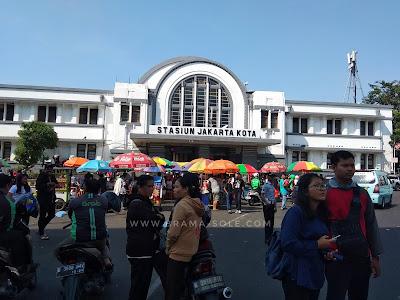 Stasiun Peninggalan zaman Belanda Di Jakarta Kota