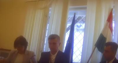 Україна висилає угорського консула за таємну роздачу паспортів