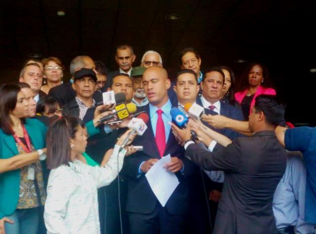Piden al TSJ acciones contra la AN por actos contra la soberanía