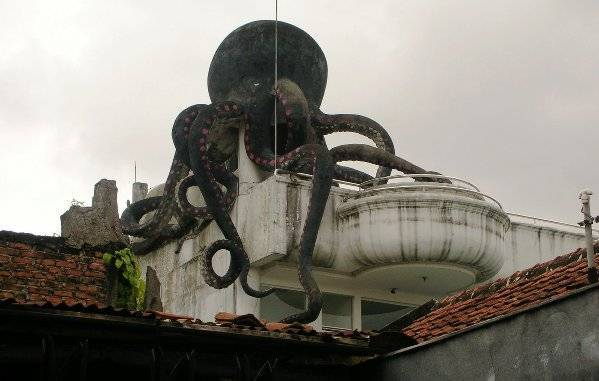 Rahasia Misteri Rumah Gurita di Bandung yang Konon Angker Dan Banyak Setannya