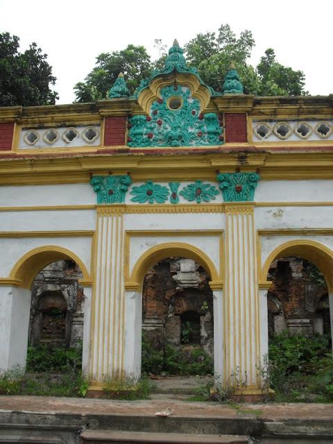 Wall, Dinajpur Rajbari