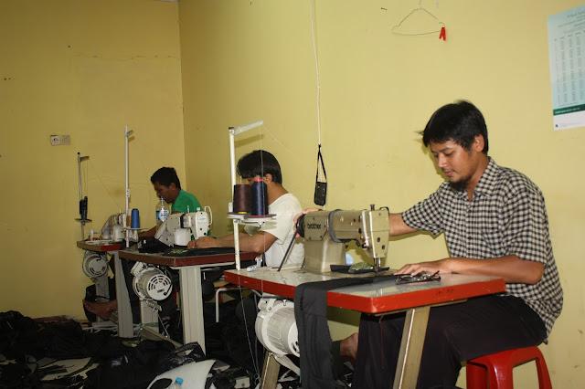 pabrik tas, konveksi tas, pembuatan tas, produksi tas, memilih konveksi tas berkualitas