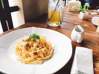 dilon_coffee_eatery_dilon coffee & eatery_review_han yoora_michelle hendra_michimomo_chippeido_endorse_endorsegratis_endorsement_cafe_restaurant_resto_foodies_foodie_foodblogger_blogger_chippeido_chintya_marcheline_march_inijie_instagram_inijiegram_makansampaikenyang_amanda_kohar_merli_jack_magnifico_diary_weirdo_weirdoinpink_pink_secret_love_quotes_poetry_review_culinary_foods_lovefood_instagood_follower_instafollow_photography_tablesituation_potato_chips_tea_green_matcha_ocha_boyfriend_friendship_bf_bae_boo_bei_friend_besties_actor_actrees_chelsea_glen_spagetti_pasta_panacota