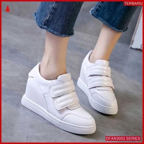 DFAN3052S85 Sepatu Md73 Sneakers Sneakers Wanita Murah Terbaru BMGShop