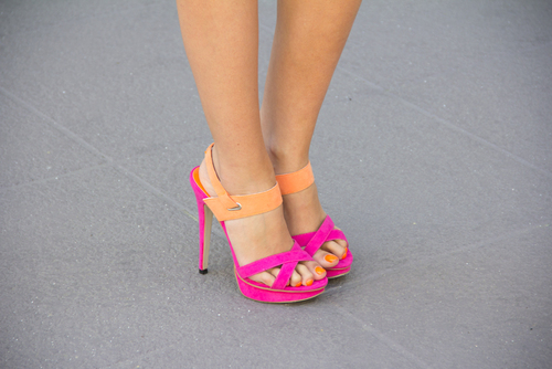 Zapatos de moda con tacón alto