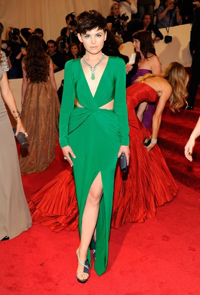 79d25dd0974 Diane Kruger in Jason Wu  She looks breathtaking and very Old Hollywood  Glamour. Love how she is workin  the slit and also the return of the  strappy
