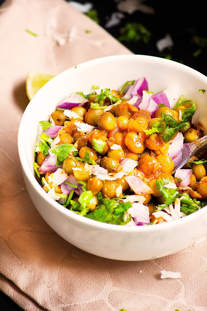 tok jhal ghughni recipe bengali ghooghni recipe