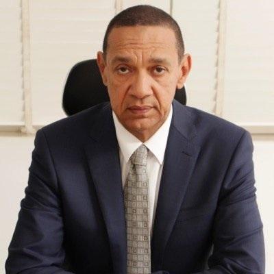 CommonSense Senator, Ben Bruce Begs Nigerian Youths in Open Letter