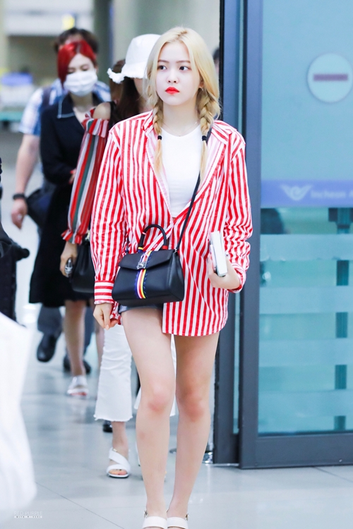 27554 27229 1441 - Redvelvet Yeri Airport Vogue