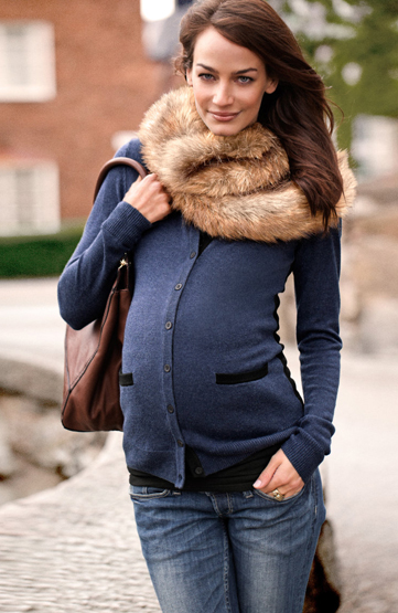 Maternity clothes for young women