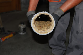 Limpiar tuberías con agua a presión