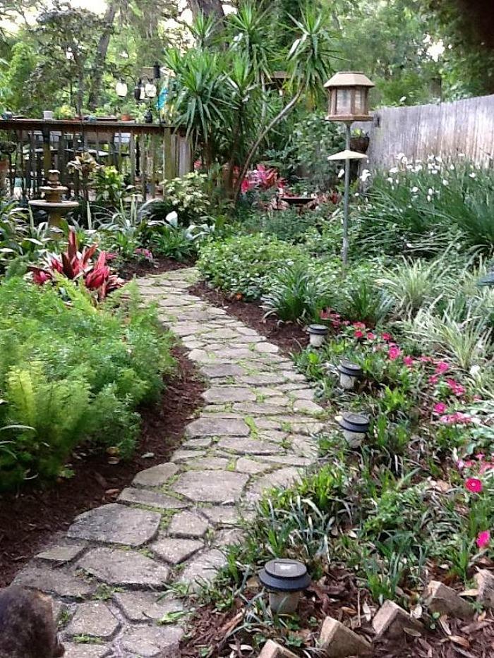 caminos de jardin diy construir un camino de cemento con forma de losas en el jard n guia de jardin