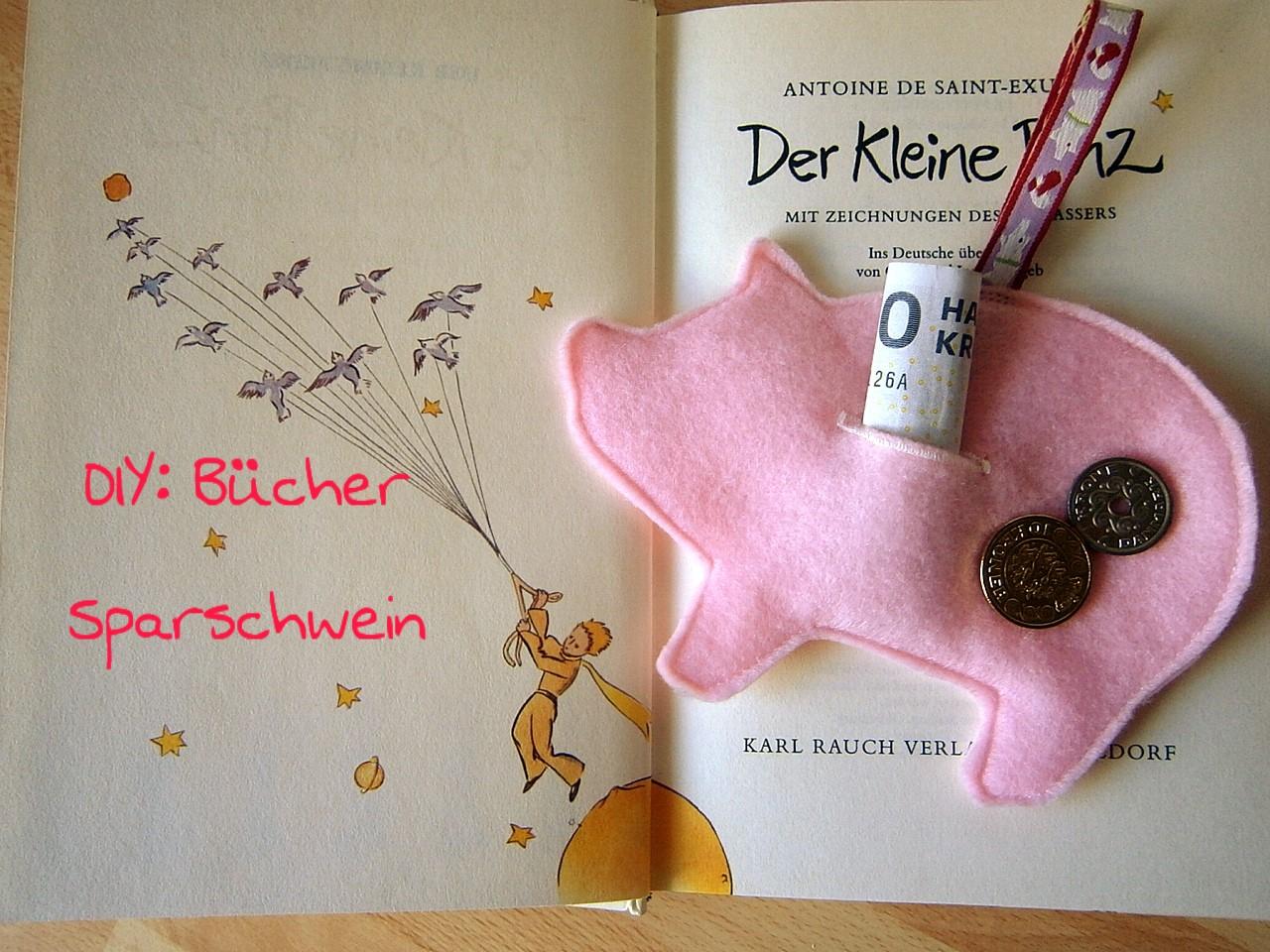 ULRIKES SMAATING: Buchwoche: Näht Euch ein Bücher Sparschwein