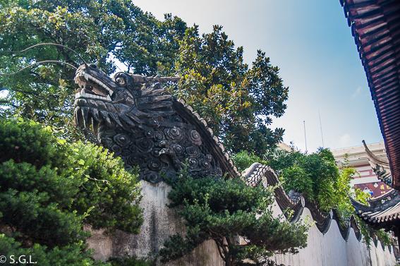 Muro de los cinco dragones en el jardín de Yuyuan. Shanghai