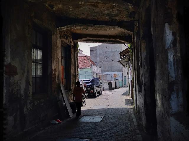 bangunan tua jalan keraton