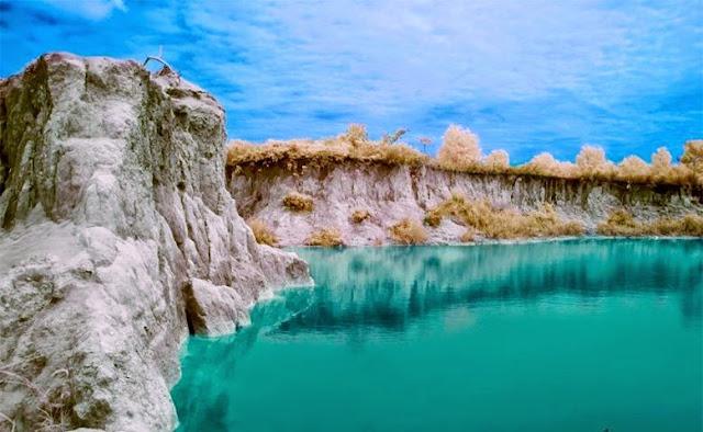 Danau biru Wonosari, Roban, Singkawang Timur