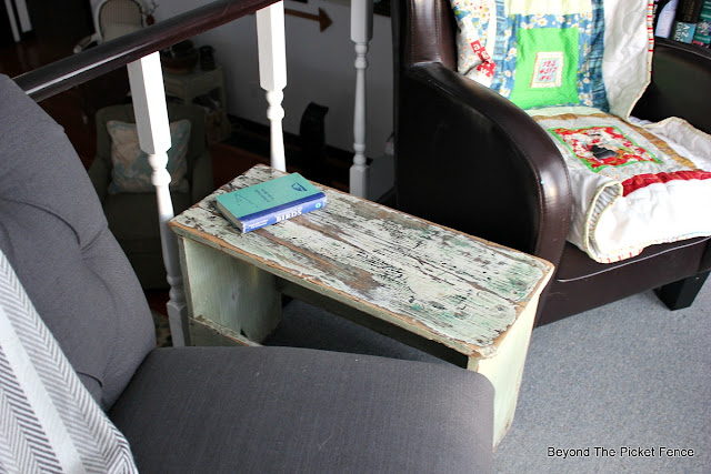 sitting area, quilt, side table, farmhouse bench, chippy paint, schoolhouse, library,http://bec4-beyondthepicketfence.blogspot.com/2016/01/schoolhouse-update.html
